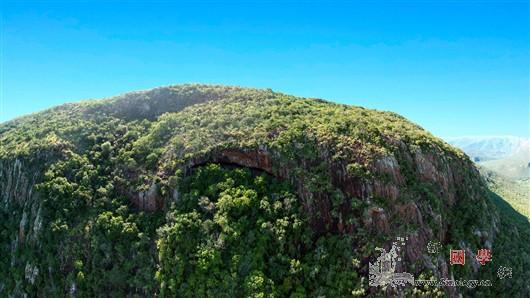 南非发现世界最古老露营草垫_草垫-南非-洞穴-